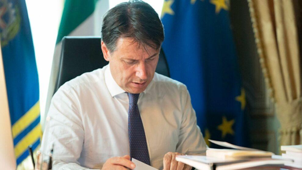Norme anti-Covid: Conte e Speranza firmano il nuovo Dpcm